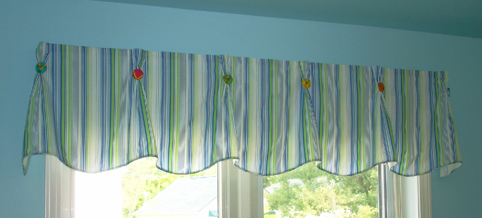 buttons shaped c inspect pleated curtain home with valance u pinch pleat