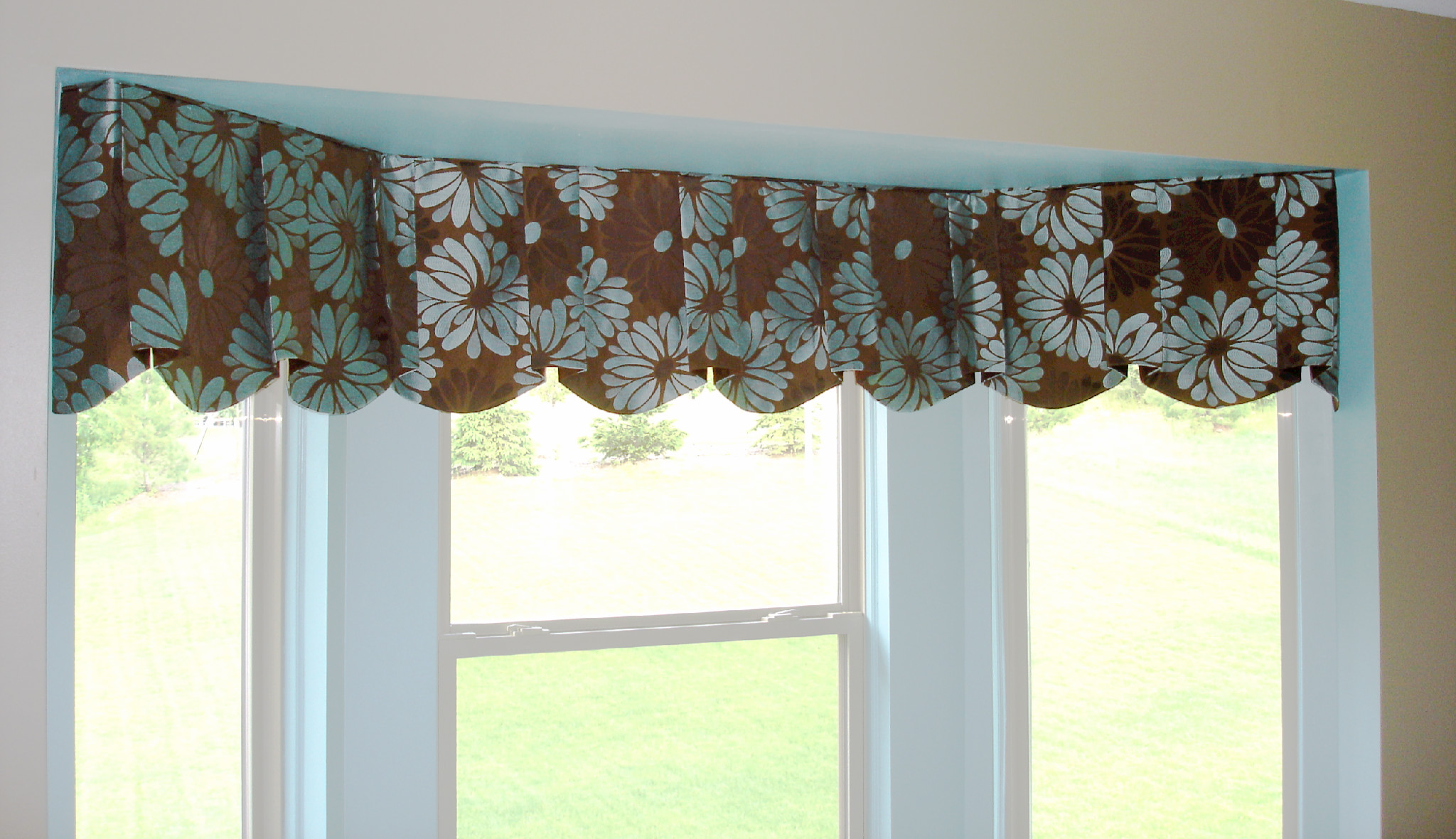 Custom modern window valance for Contemporary bay window designs