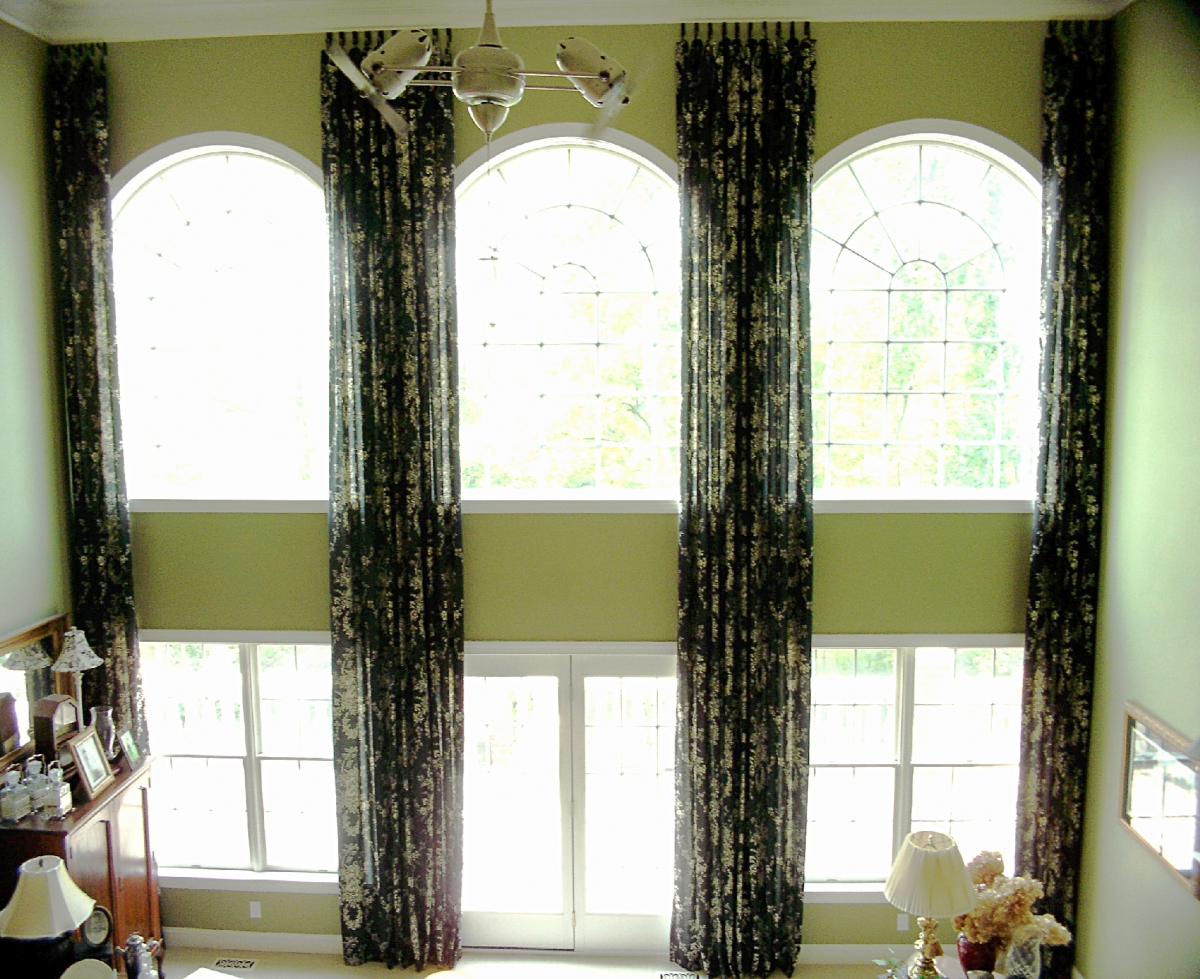 Two story room susan 39 s designs for 2 story window treatments