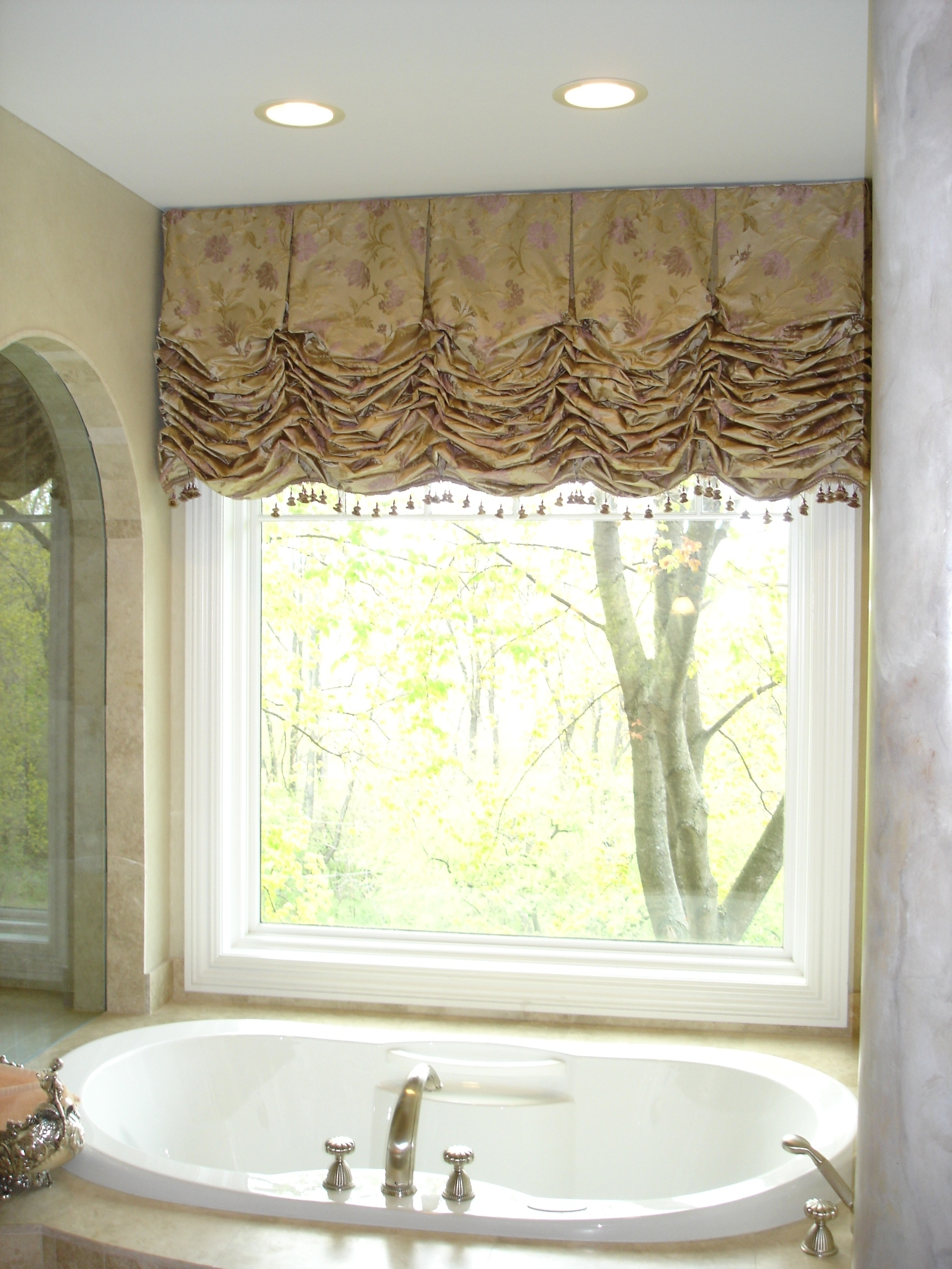 Style and elegance susan 39 s designs Bathroom valances for windows